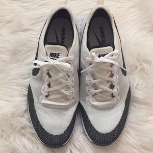 Nike Shoes - NIKE ZOOM TRAINING SHOES